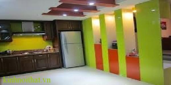 Kính ốp tường mầu xanh