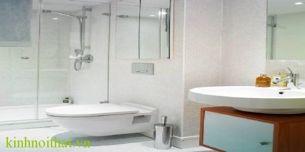 phòng tắm kính Lợi ích của phòng tắm kính cường lực trong cuộc sống