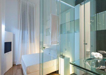 Vách tắm kính Lợi ích của phòng tắm kính cường lực trong cuộc sống
