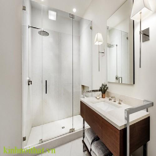 Phòng tắm kính mở