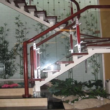 cầu thang kinh PA1