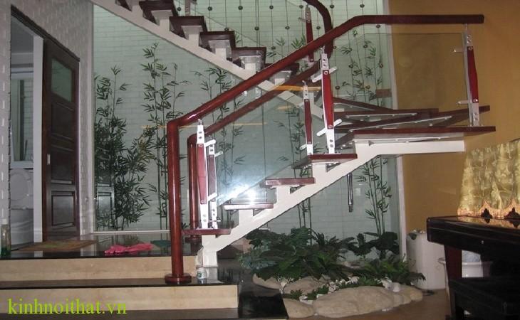 cầu thang kinh PA1 Cầu thang kính
