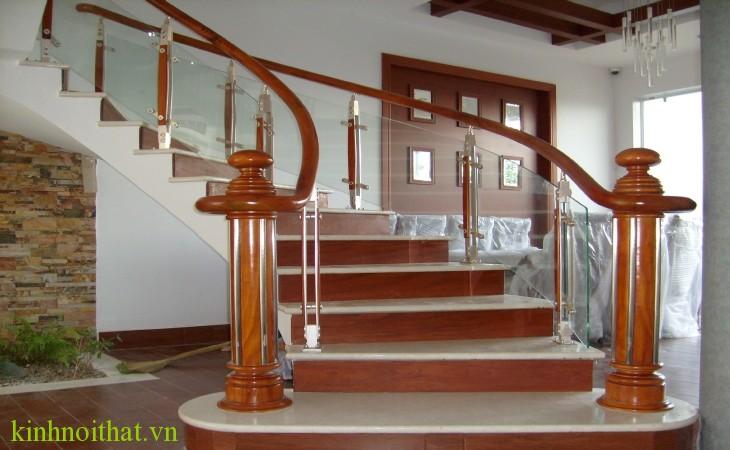 Cầu thang kính pa2 Cầu thang kính PA2
