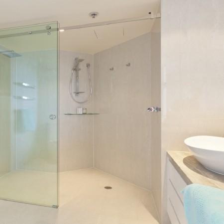 Phòng tắm kính thanh nhã