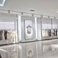 Vách kính cường lực shop thời trang