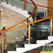 Bật mí vài điều về ầu thang kính Bật mí vài điều mà bạn cần biết về cầu thang kính