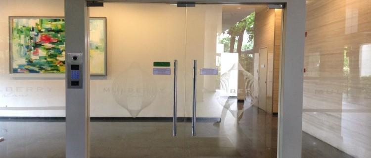 Thế nào là cửa kính cường lực chất lượng Thế nào là cửa kính cường lực chất lượng ?