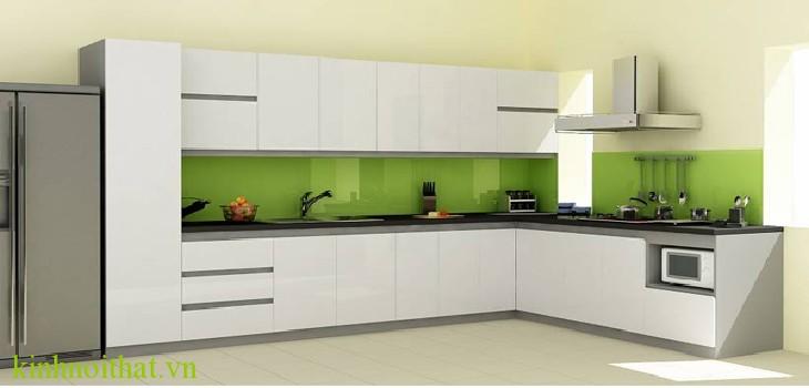 Kính ốp bếp Khách hàng sẽ chọn kính ốp bếp hay gạch ốp bếp ?