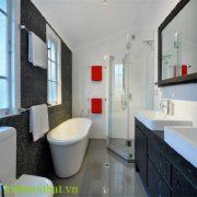 Vách tắm kính giải pháp hữu ích cho không gian phòng tắm hẹp