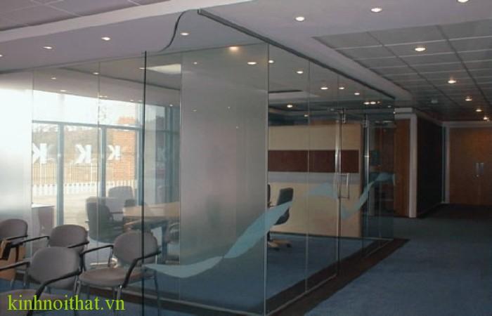 Vách kính cường lực văn phòng Vách kính cường lực văn phòng có tốt không  ?