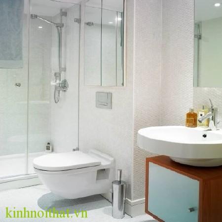 Vách tắm kính 02 Vách tắm kính giải pháp tối ưu cho việc mở rộng không gian phòng tắm