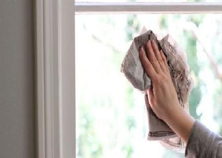 Vệ sinh cửa nhôm kính đúng cách Lời khuyên dành cho bạn khi vệ sinh cửa nhôm kính
