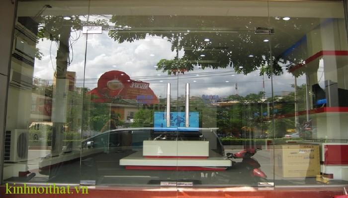 Cửa kính cường lực cửa hàng 2 Cửa kính cường lực cửa hàng