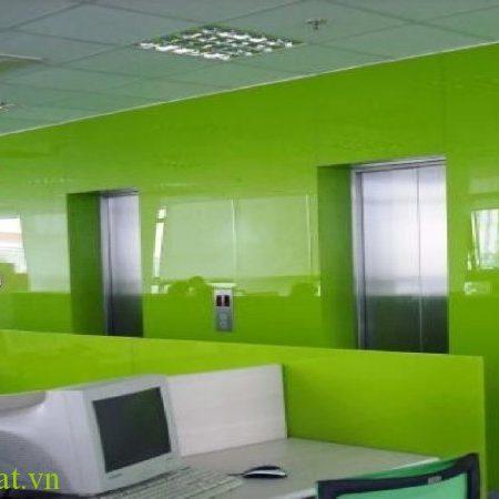 Kính ốp tường văn phòng