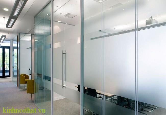 Cửa kính cường lực an toàn 1 Thế nào là một bộ cửa kính cường lực an toàn đạt chuẩn