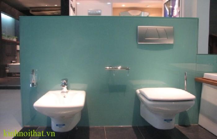 Kính màu phòng tắm 2 Bạn được lợi ích gì khi sử dụng kính ốp tường nhà tắm tại passwindow