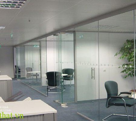 Cửa kính cường lực văn phòng 15