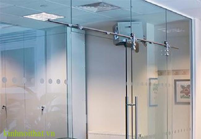 Cửa kính lùa ray inox 4 Cửa kính lùa ray inox
