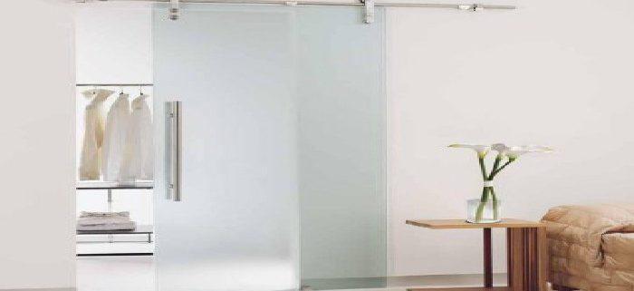 Cửa kính cường lực lùa có chống trộm được không ? Cửa kính cường lực lùa có chống trộm được không