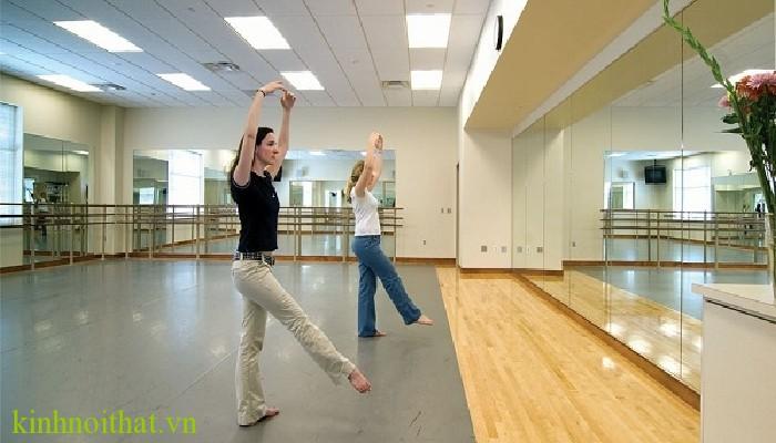 Gương phòng tập yoga Gương phòng tập ở đâu giá rẻ, lắp gương phòng tập có an toàn không ?