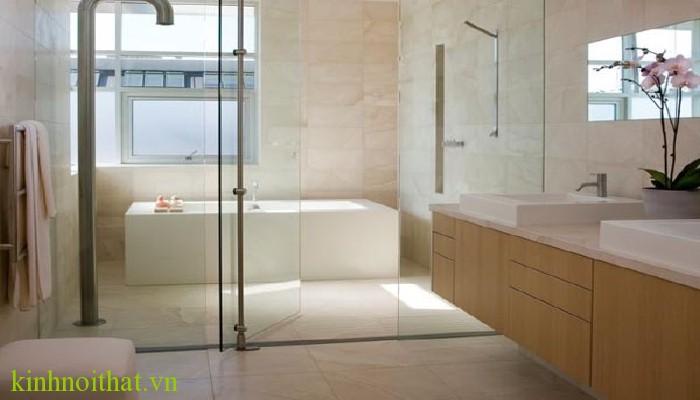 Vách tắm kính đẹp chất lượng Phòng tắm kính và những lý do bạn nên lắp đặt vách tắm kính ngay