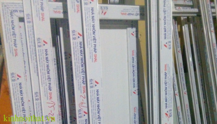 cửa nhôm việt pháp hệ 4400 Cửa nhôm việt pháp hệ 4400 có xuất xứ từ đâu ?
