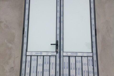 Cửa đi 2 cánh nhôm việt pháp hệ 4400 Cửa nhôm việt pháp siêu bền cực chuẩn và phương pháp lựa chọn