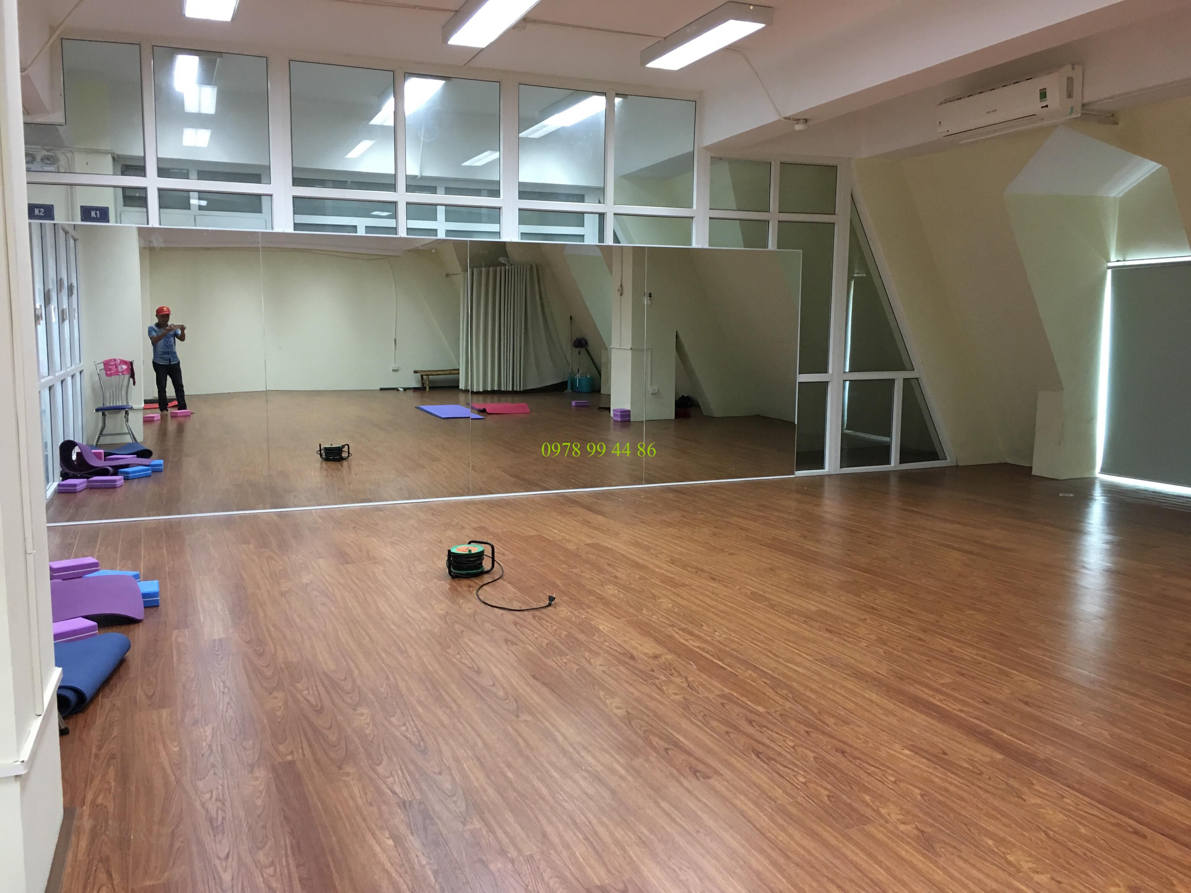 báo giá gương phòng tập 17 Báo giá gương phòng tập gym,yoga,múa