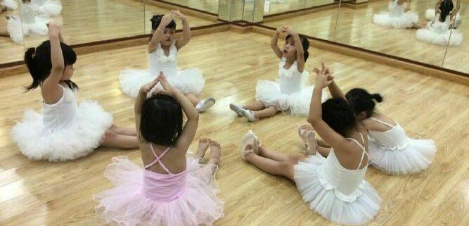 gương tập múa Gương khổ lớn cho phòng tập gym yoga