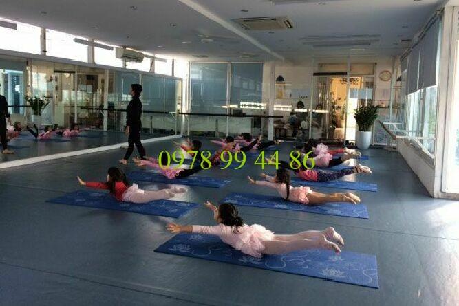 Gương khổ lớn 1 Thi công gương khổ lớn cho phòng tập gym yoga