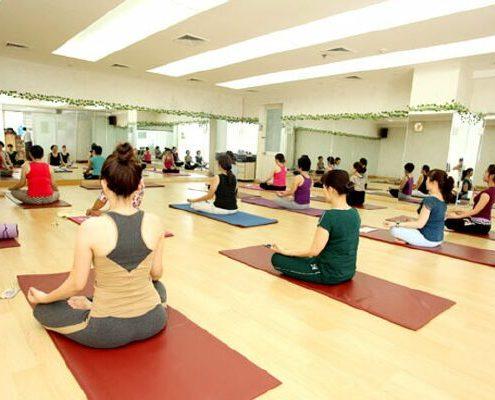 guong phong tap yoga 5 Chuyên gương phòng tập gym đẹp giá thành lại hợp lý Dự Án Và Thi Công