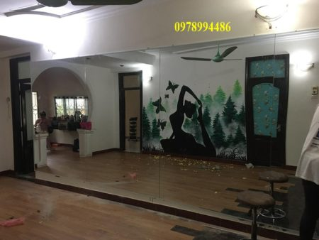 Gương phòng tập yoga 123