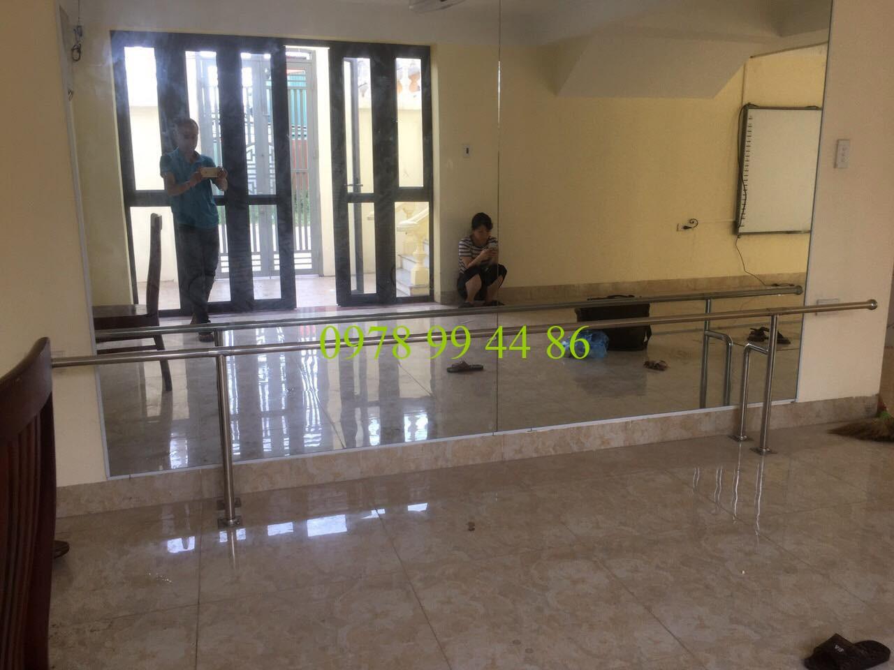 Gương phòng tập múa mầm non ngõ 2 tứ hiệp thanh trì Gương phòng tập thông minh với thiết kế dán tường tiện lợi